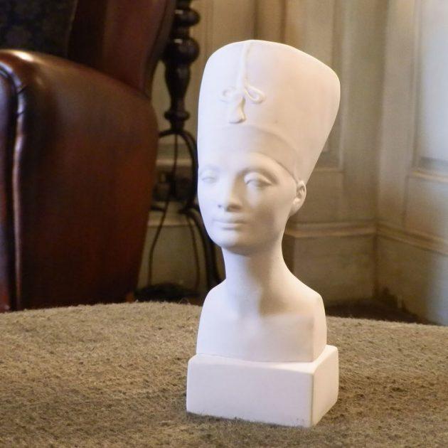 Nefertiti Bust -0